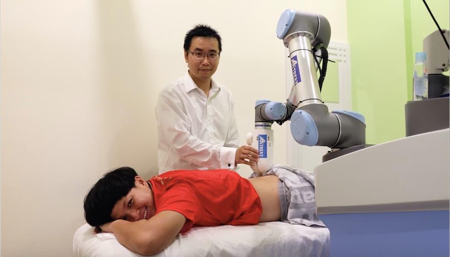 В Сингапуре создан робот массажер