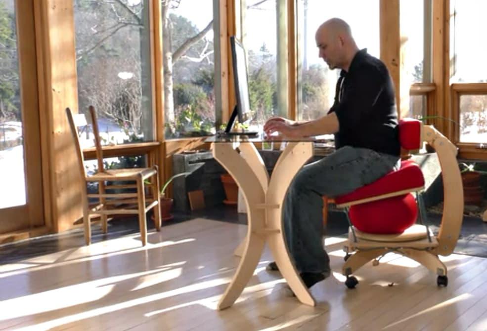 Создан стул способный облегчить жизнь офисных работников