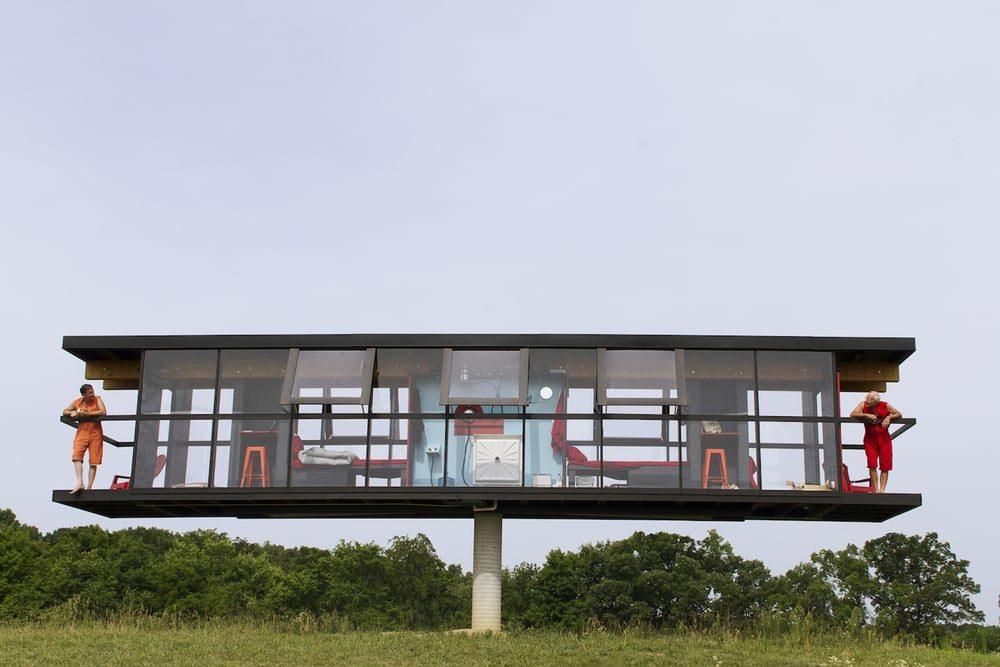 Американские архитекторы протестировали вращающийся стеклянный дом