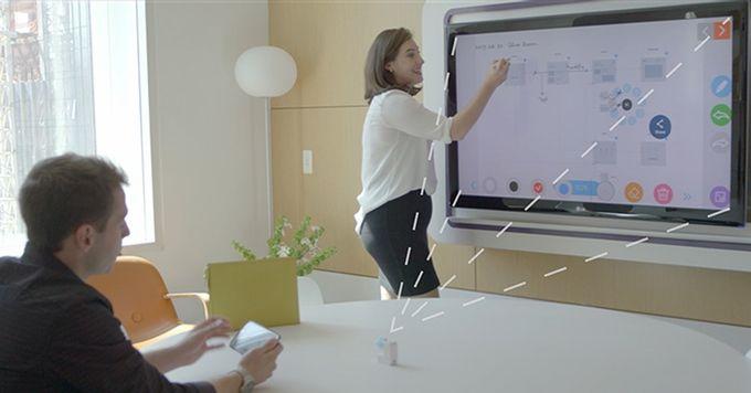 Появилось устройство превращающее телевизоры в интерактивные доски