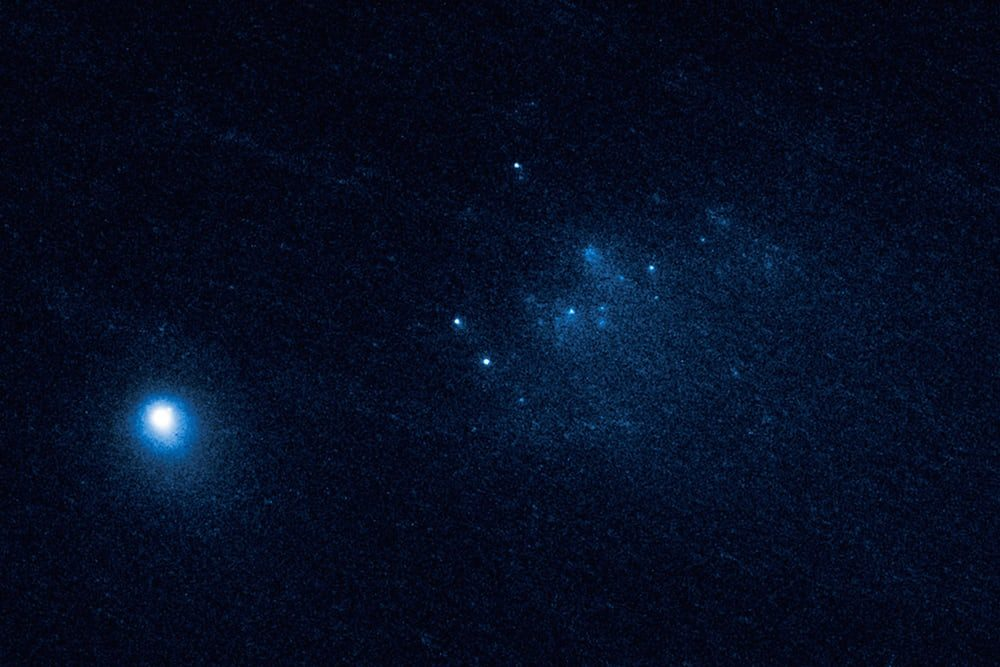 Астрономы начали наблюдение за смертью кометы