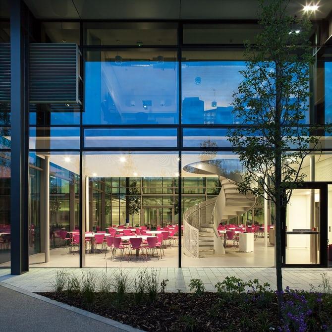 Очередная штаб-квартира претерпела масштабные архитектурные изменения