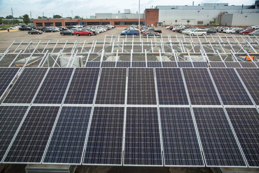 Все больше заводов переходят на возобновляемые источники энергии