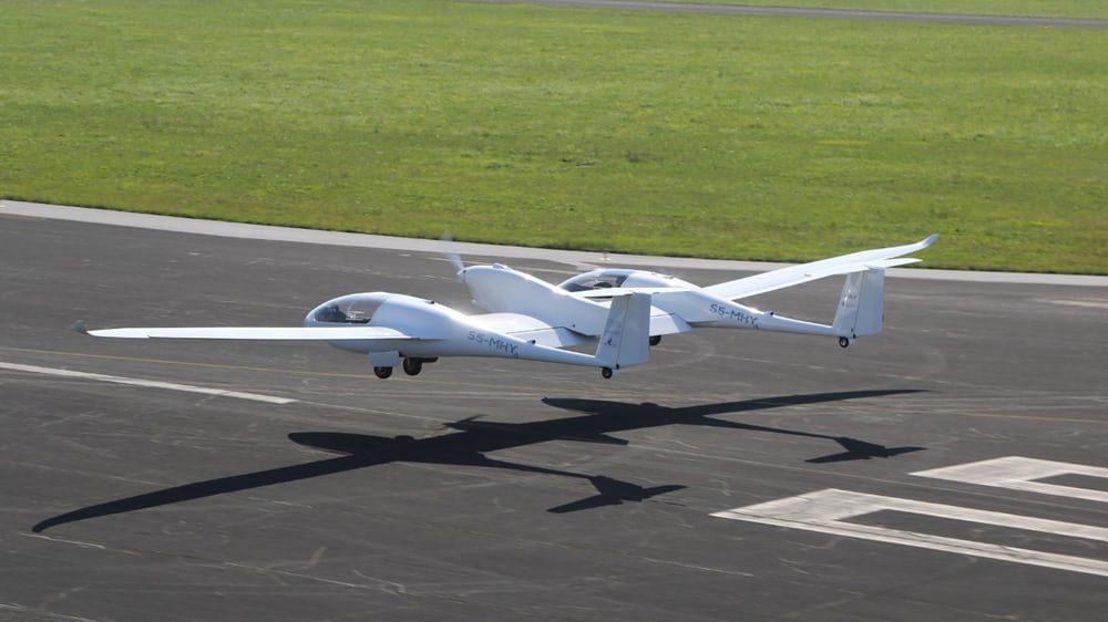 Водородный самолет совершил первый испытательный полет