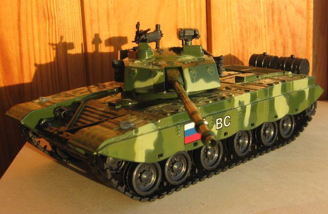 фото игрушечных танков