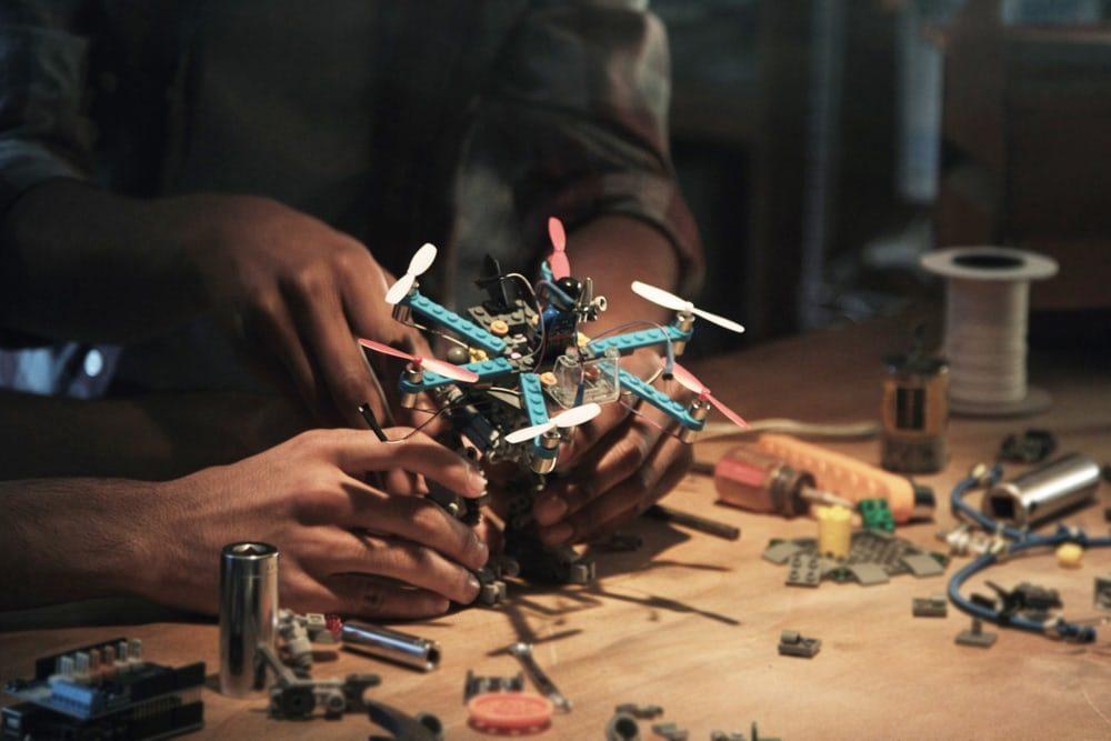 У Lego появился набор для создания дронов