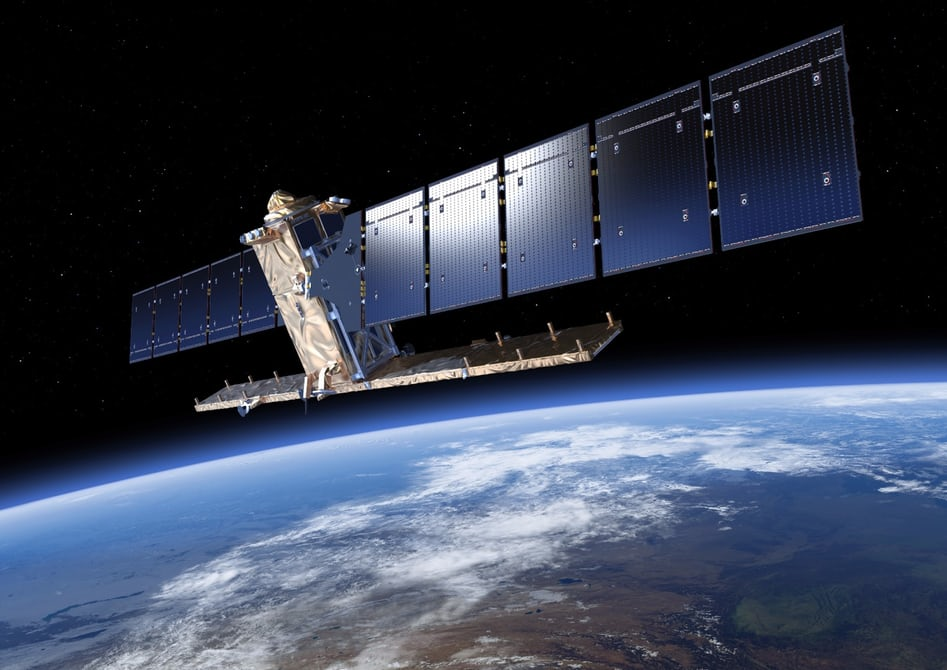 Очередной спутник поврежден космическим мусором