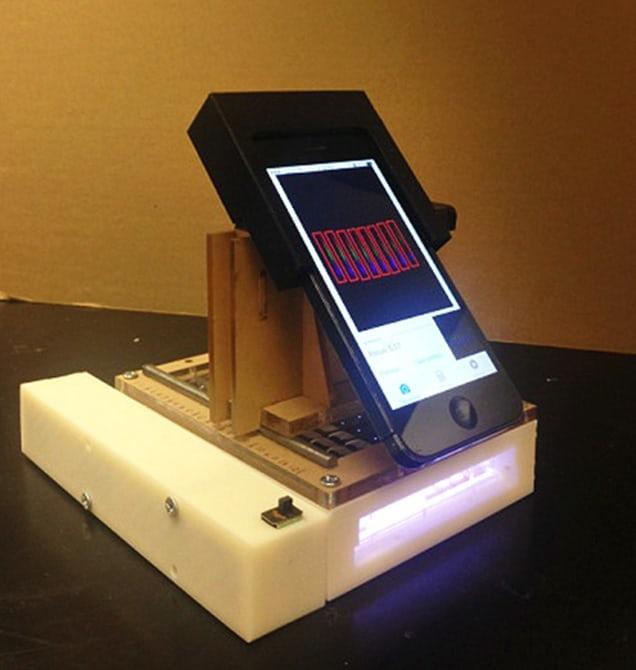 Создан портативный спектрометр в смартфоне для поиска рака