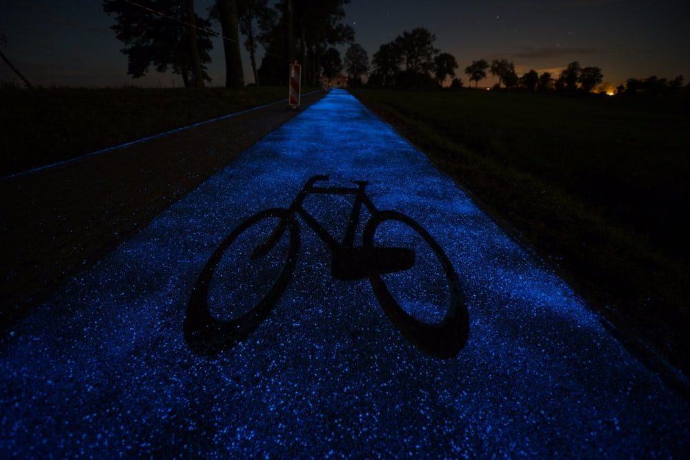 В Польше появилась светящаяся вело-дорожка