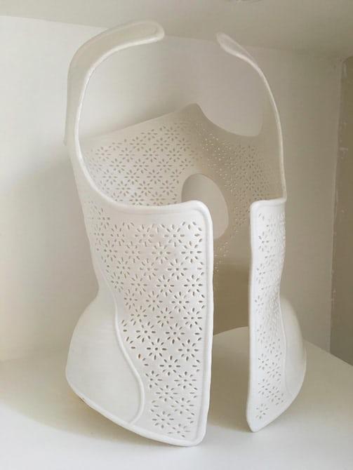 Врач физиотерапевт начал распечатывать корсеты на 3D-принтере
