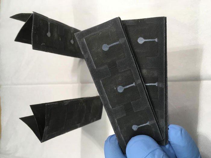 Ученые разработали супер-тонкую батарею работающую от бактерий