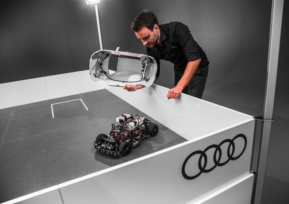 Audi разрабатывает систему самостоятельной парковки авто