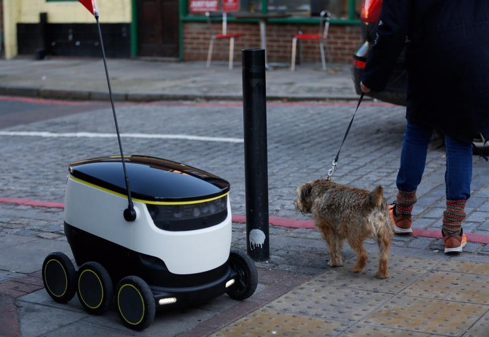В Англии заработала полностью автономная система доставки еды