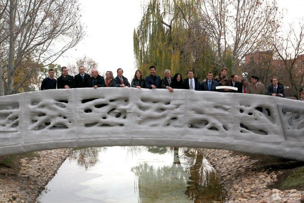 Построен первый 3D-печатный пешеходный мост