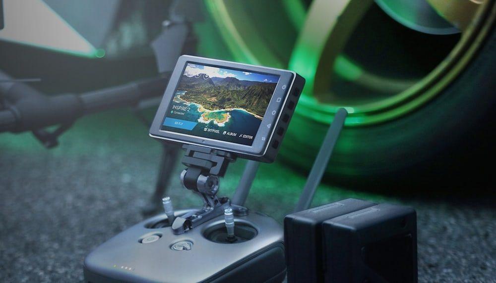 DJI показал монитор для управления дронами
