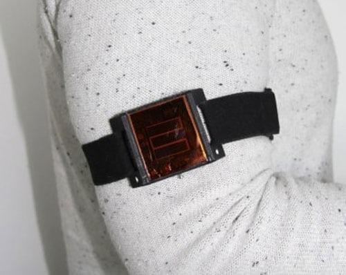 Ученые предлагают имплантировать солнечные батареи под кожу