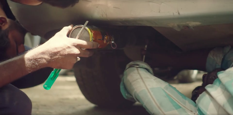 В Сингапуре научились делать чернила из выбросов автомобилей