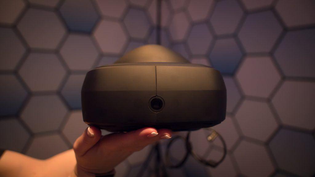 LGиValve создают новый шлем виртуальной реальности