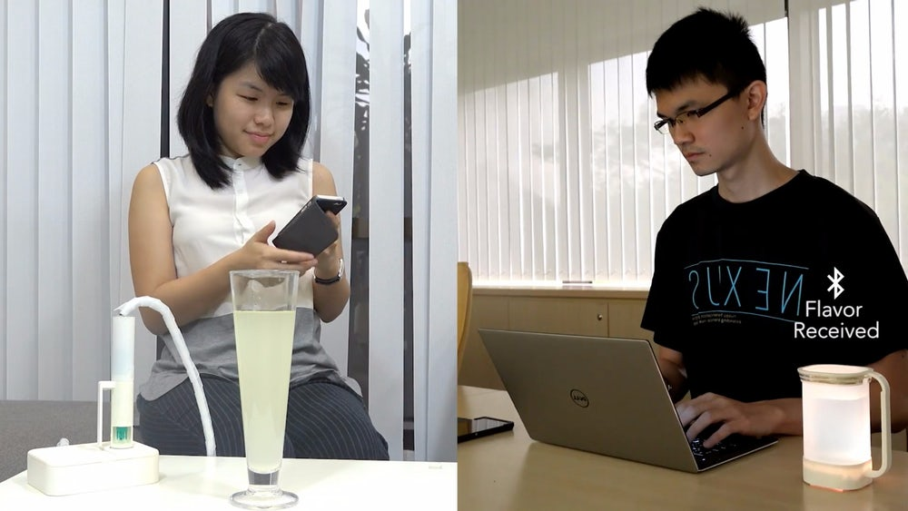 В Сингапуре создали устройство передающее вкус напитков