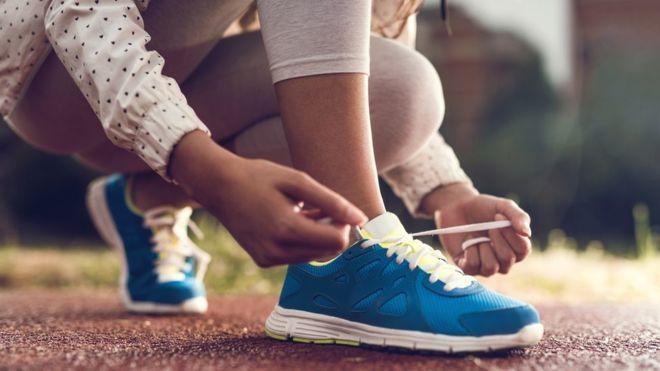 Ученые объяснили, почему развязываются шнурки