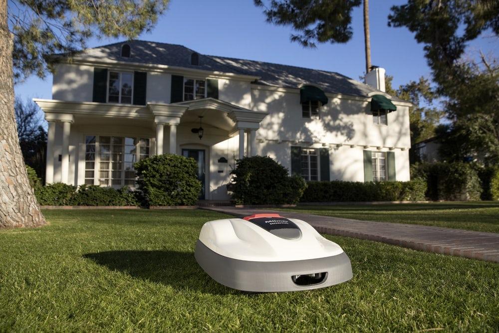 Honda представила роботизированную автономную газонокосилку