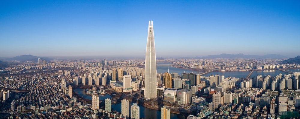 В Корее построили небоскреб с самым быстрым в мире лифтом