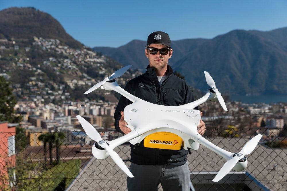 Швейцарские поликлиники тестируют беспилотные летательные аппараты для доставки лабораторных образцов