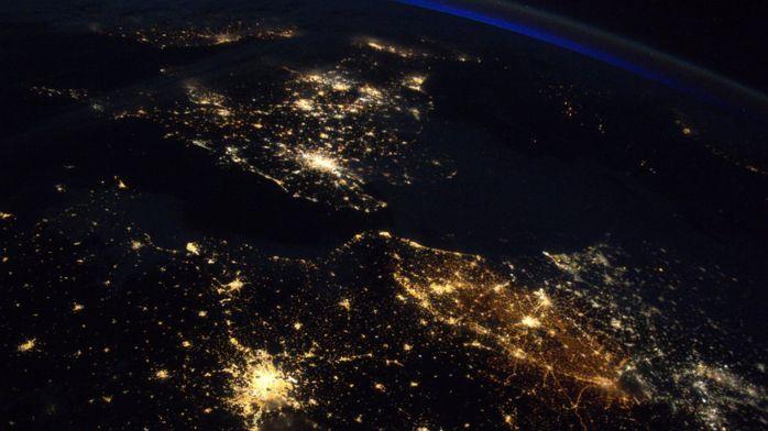 Астронавт опубликовал фото самой яркой страны в мире