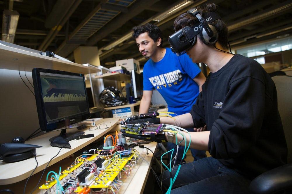 Ученые используют искусственные мышцы для создания VR-перчаток