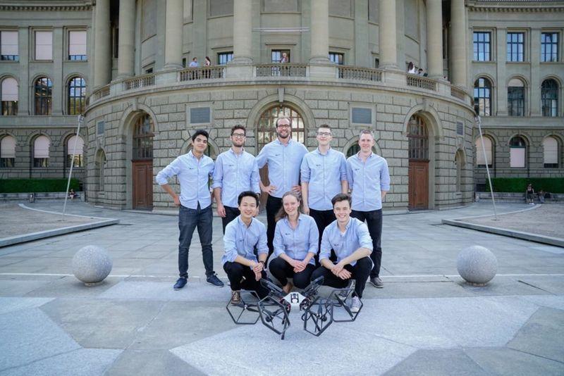Студенты создали беспилотник с шестью проворачивающимися роторами