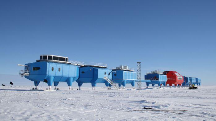 Гигантская трещина заставила англичан покинуть антарктическую станцию