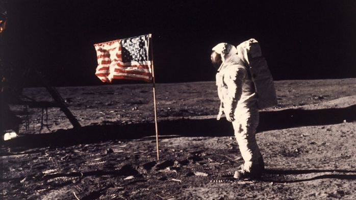 Хокинг призвал ведущие страны активизировать космическую программу