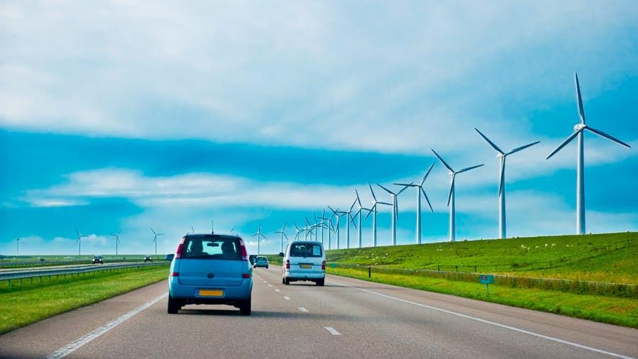 Lyft переведёт свои беспилотные автомобили наВИЭ