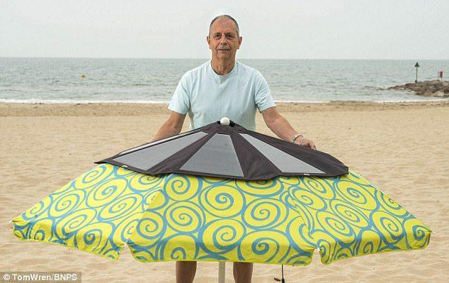 Создан зонт для подзарядки гаджетов