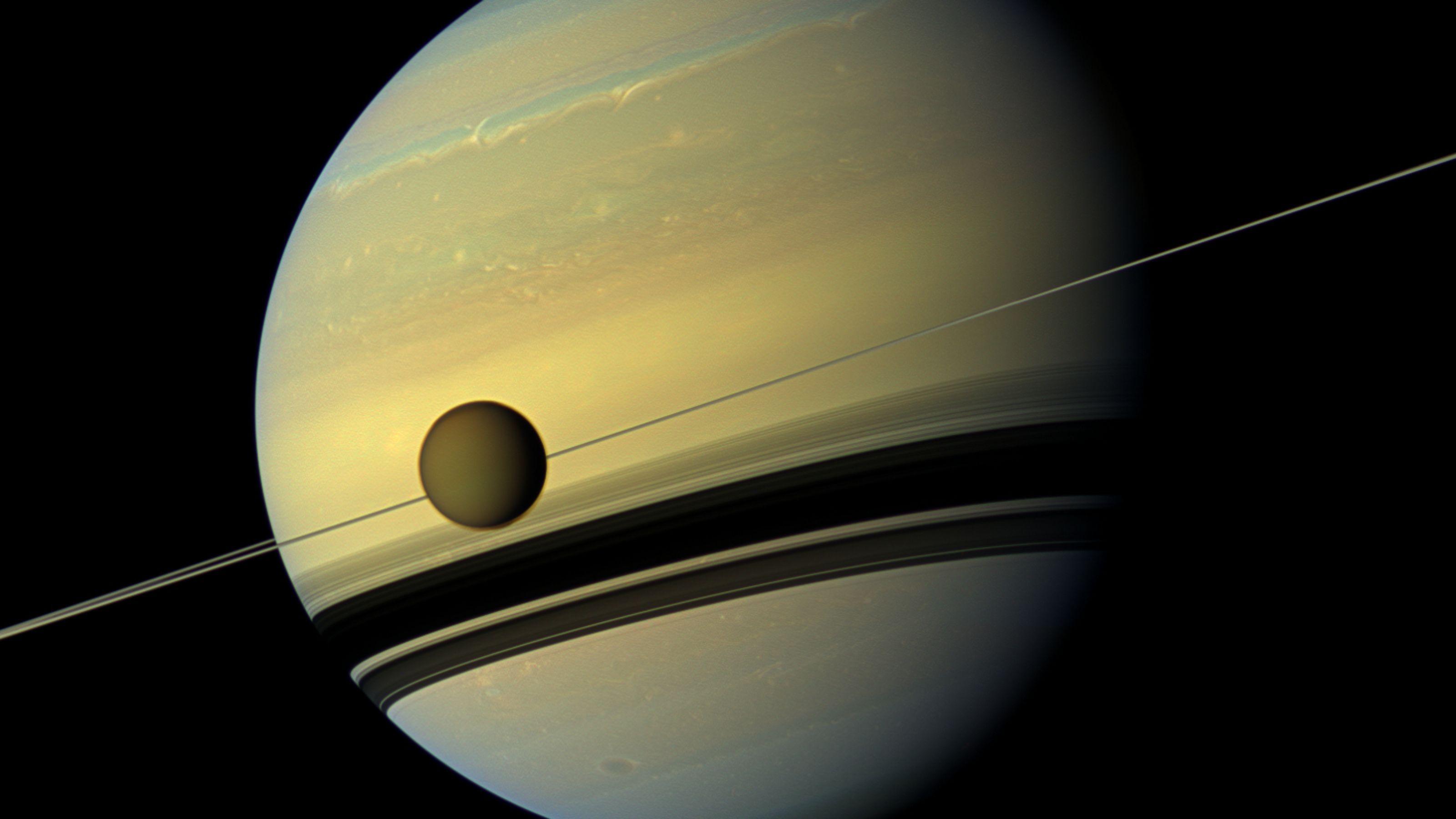 NASA обнаружило возможный материал для форм жизни на Титане