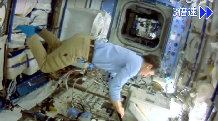 Японский космический дрон прислал фотографии с МКС