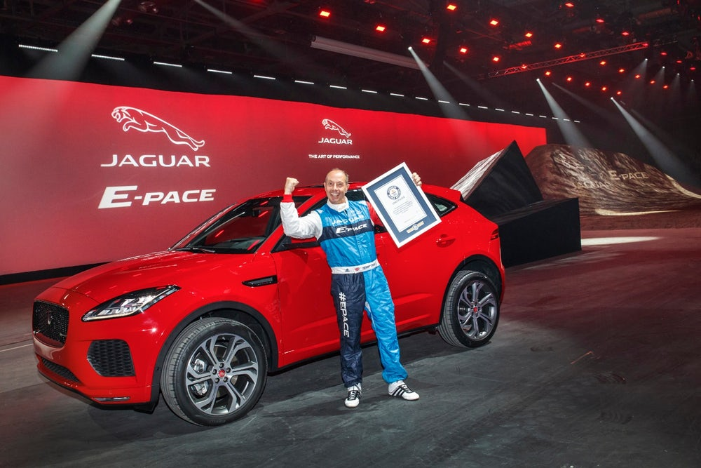 jaguar-e-pace-barrel-roll-11