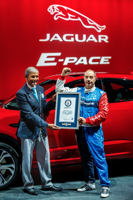 jaguar-e-pace-barrel-roll-14