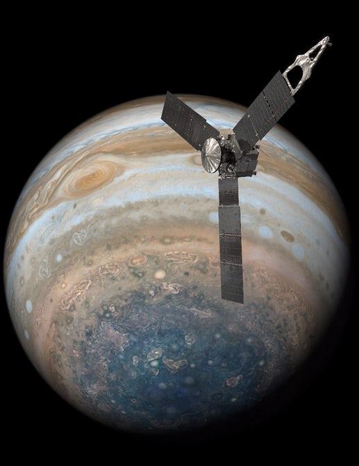 Зонд Juno прислал подробные фотографии Большого красного пятна