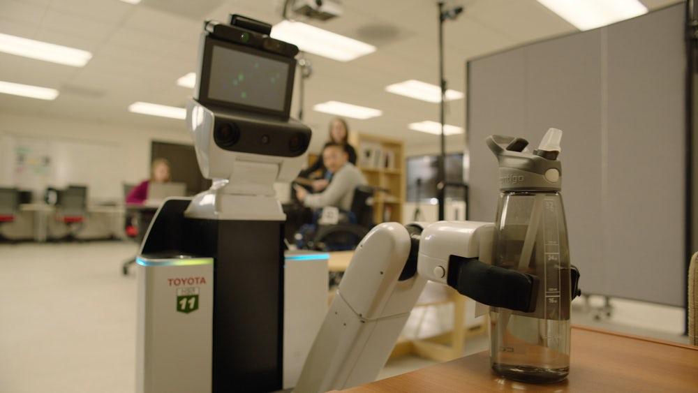 В Америке прошли испытания робота помощника от Toyota