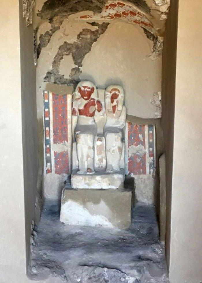 Археологи нашли большую гробницу с несколькими мумиями