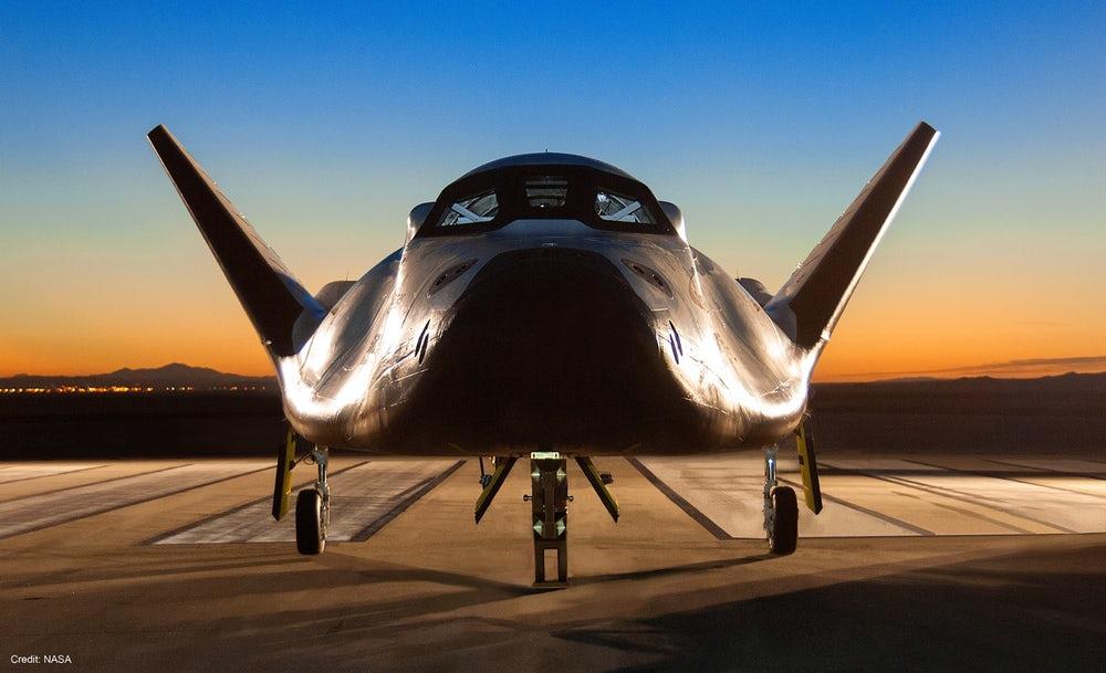 Dream chaser: космический корабль будет испытан в 2018 году