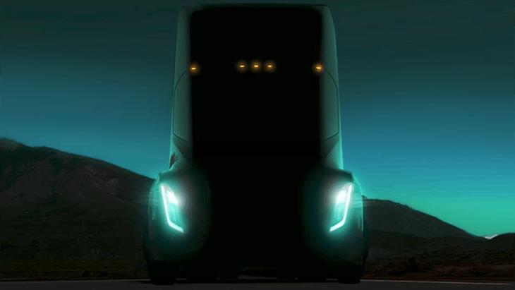 Электрический грузовик Tesla с возможностью самоуправления представят в октябре