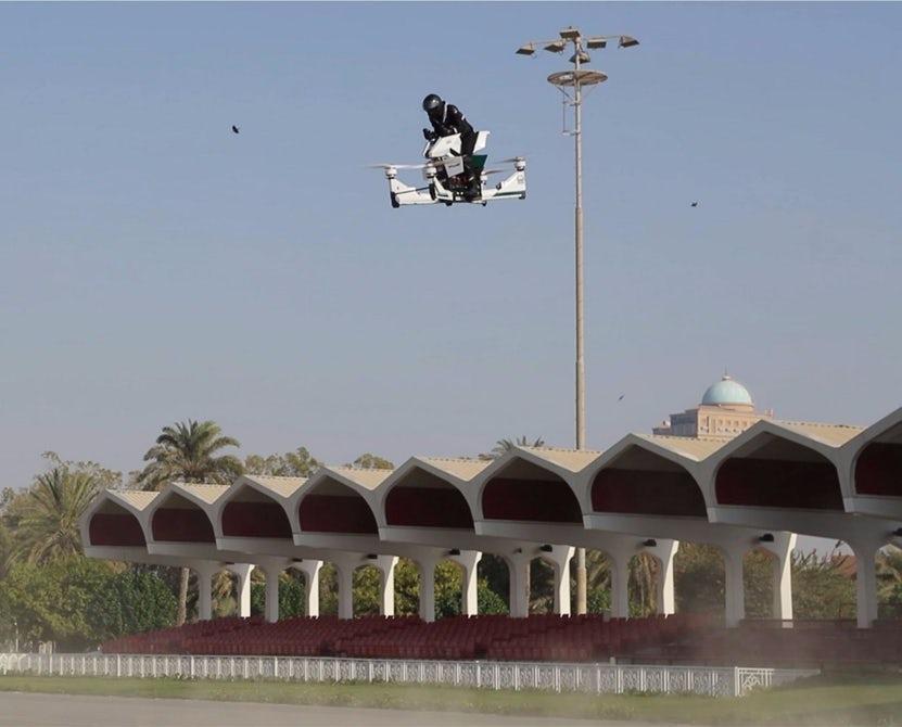 Дубай планирует использовать полицейские ховербайки