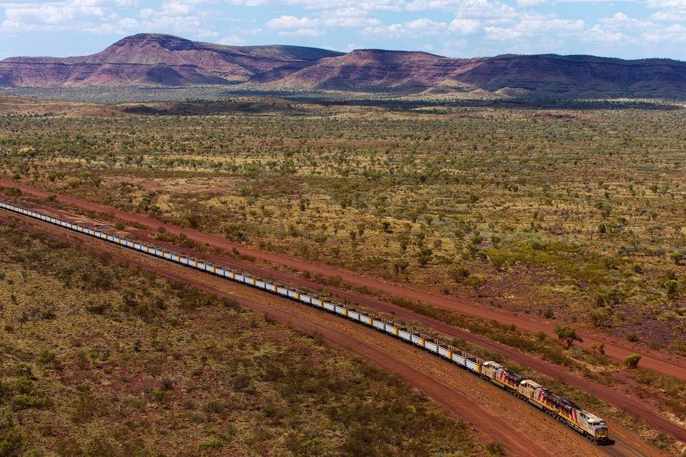 В Австралии запустили автономный поезд