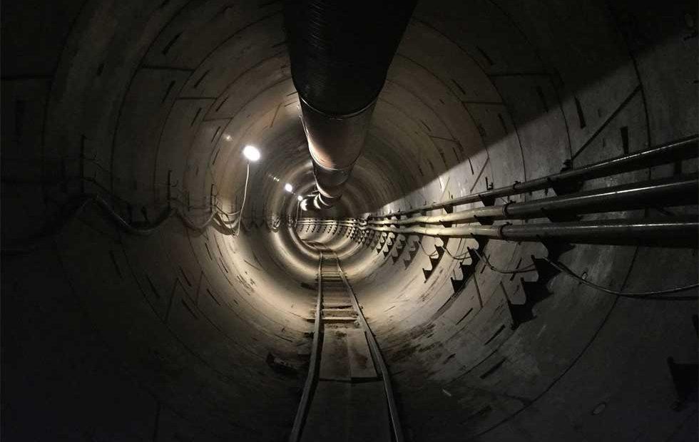 Маск продемонстрировал видео изнового высокоскоростного тоннеля под Лос-Анджелесом