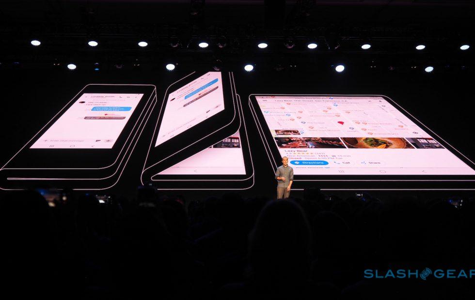 Samsung представила прототип смартфона с гибким экраном. Его можно сложить пополам