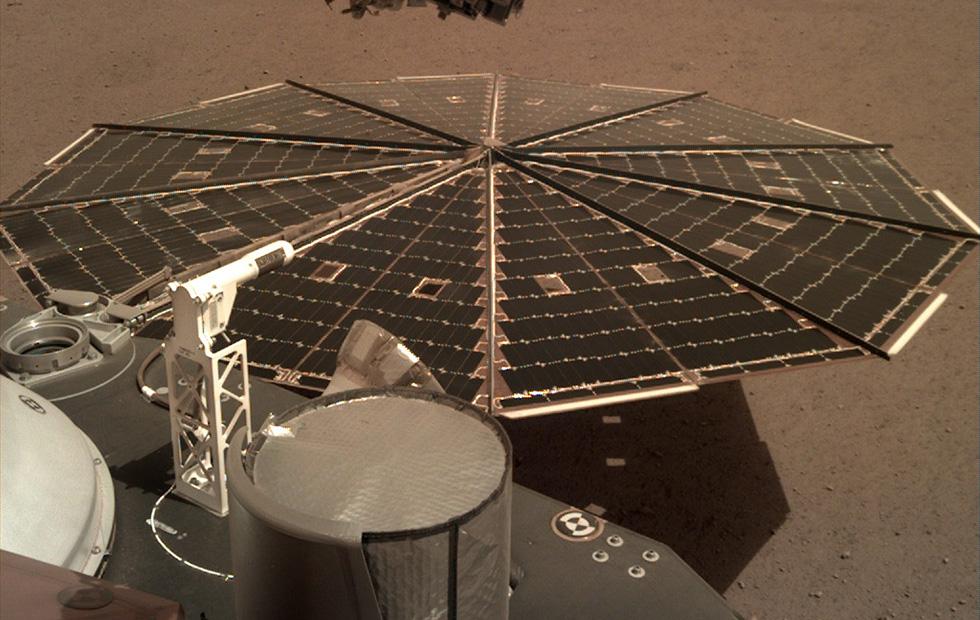 NASA впервые записало шум ветра на Марсе