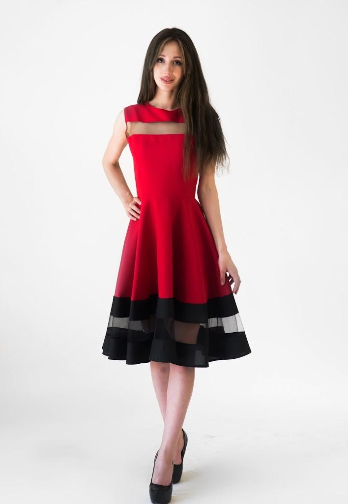 056834e9285 Стильные брендовые платья