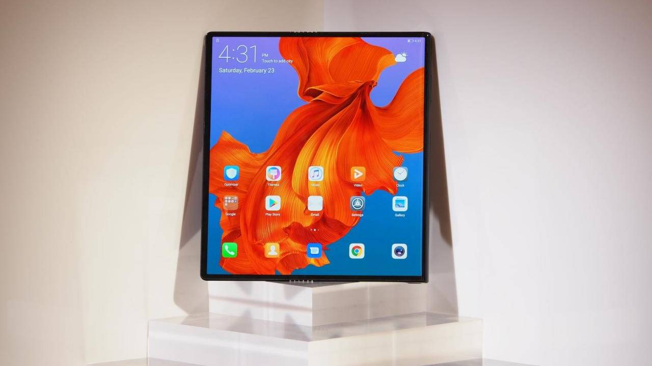 Huawei отложила начало продаж гибкого телефона Mate X